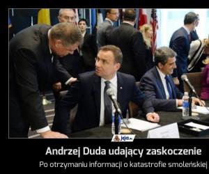 Andrzej Duda udający zaskoczenie