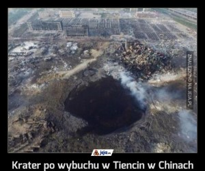 Krater po wybuchu w Tiencin w Chinach
