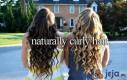 Naturalne, kręcone włosy