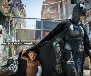 W cieniu superbohatera