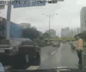 Kobieta poważnie ranna w wypadku samochodowym