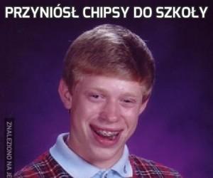 Przyniósł chipsy do szkoły