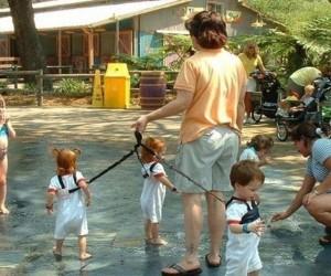 Dzieci na smyczy
