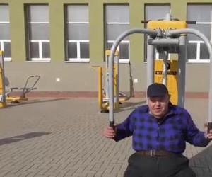 Słynny białostocki polityk odbiera telefon od skorumpowanego policjanta