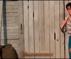 Lepiej nie pozwalać grać Supermanowi w baseballa...