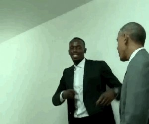 Obama pozuje