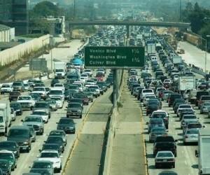 Korek w Los Angeles na jednym gifie