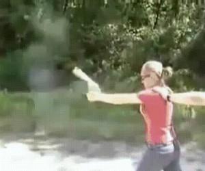 Kobiety i broń palna