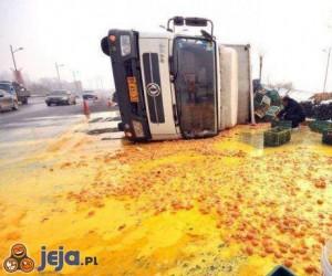 Gdy wywróci się ciężarówka z jajkami