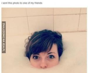 Kto normalny kąpie się nago!?
