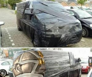 Zawinięty van