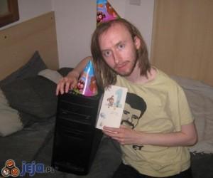 Pierwsze urodziny kochanego komputerka