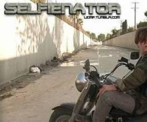Selfienator
