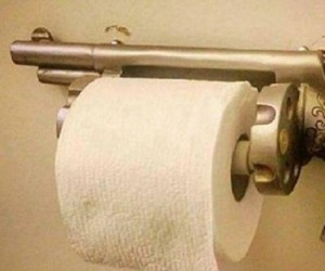 Amerykański uchwyt na papier toaletowy