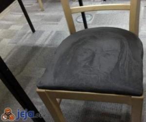 Rysunek na krześle