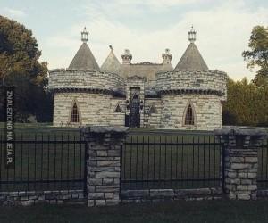 Ktoś wybudował sobie zamek w moim mieście
