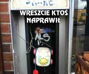 Wreszcie ktoś naprawił tę budkę telefoniczną
