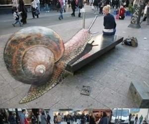 Iluzja na chodniku - ślimak