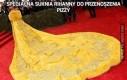 Specjalna suknia Rihanny do przenoszenia pizzy