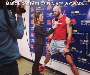 Marcin Gortat udzielający wywiadu