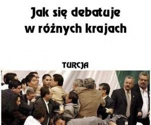 Jak się debatuje w różnych krajach