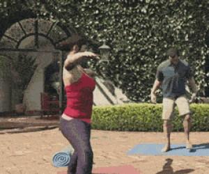 Gdy facet próbuje uprawiać jogę...