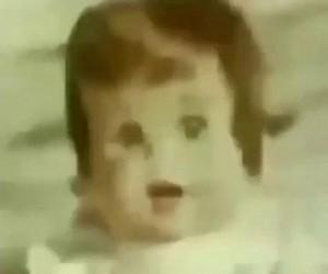 Szepcąca lalka