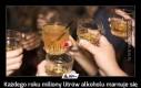 Każdego roku miliony litrów alkoholu marnuje się w niedopitych drinkach