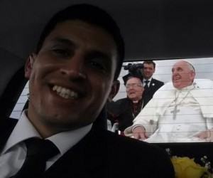 Selfie kierowcy papieża