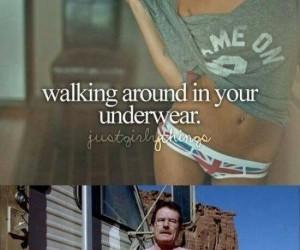 Chodzenie w bieliźnie...