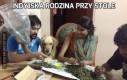Indyjska rodzina przy stole
