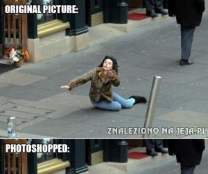 Scarlett Johansson upada, Photoshop przejmuje