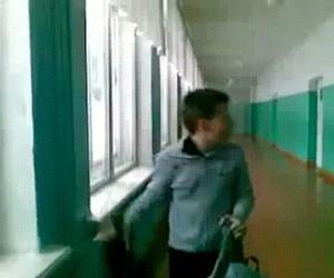 Niebezpieczne zabawy w szkole