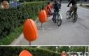 Kreatywne krzesła w plenerze