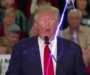 Zeus jest niezadowolony z fryzury Trumpa