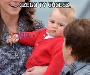 Mały książę George wczuwa się w swoją rolę
