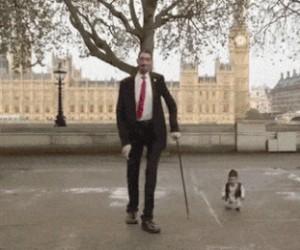 Najwyższy i najniższy człowiek świata na wspólnym spacerze