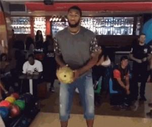 Dlaczego czarni nie lubią grać w kręgle...