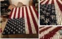 Amerykańska flaga stworzona z 4000 pomalowanych żołnierzyków