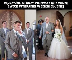 Mężczyźni, którzy pierwszy raz widzą swoje wybranki w sukni ślubnej