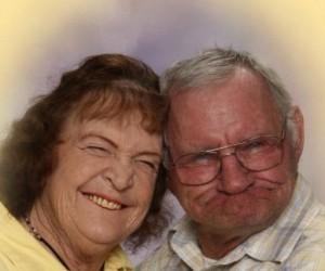 Dziwne zdjęcia rodzinne - wesołe miny