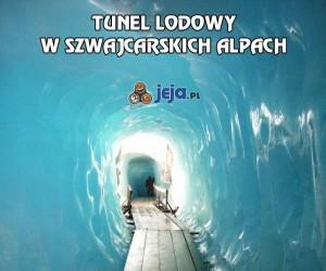 Tunel lodowy w szwajcarskich Alpach