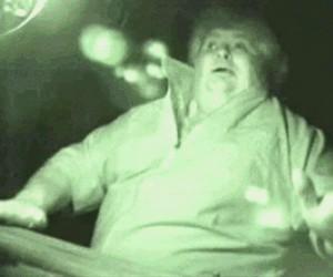 Kiedy mama przyłapie cię na oglądaniu Jeja o 1 w nocy