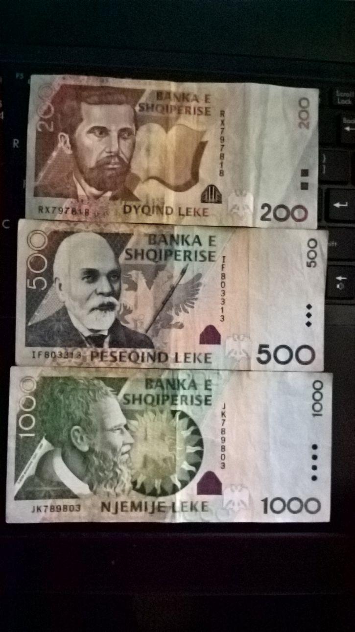 Albańskie pieniądze