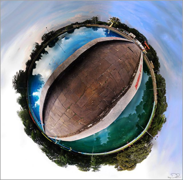 planetka z basenami