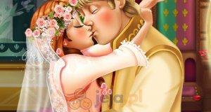 Ślubny pocałunek Anny