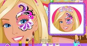 Barbie i malowanie twarzy