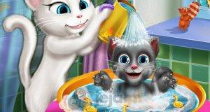 Angela myje dziecko