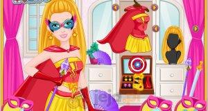 Super Barbie projektuje maski