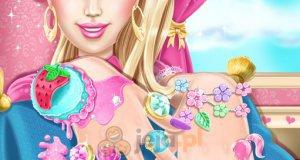 Barbie w salonie manicure